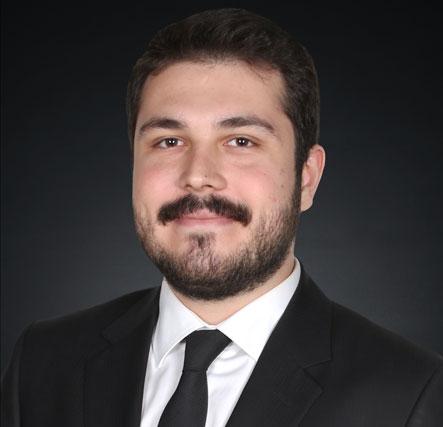 Avukat Alperen Gezer